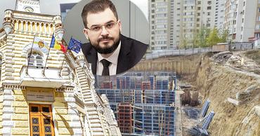 Адвокат: Мунсоветники пытаются легализовать незаконное строительство на Мирча чел Бэтрын.