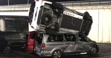 В Испании бывший сотрудник Mercedes-Benz уничтожил 50 машин.