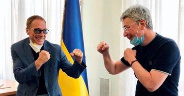 Netflix снимает на Украине комедийный боевик с Ван Даммом в главной роли.