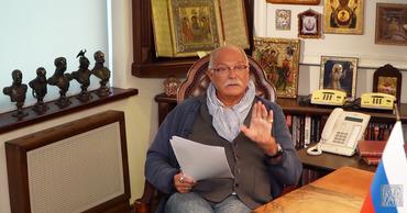 Pоссийский киноактёр, кинорежиссёр, сценарист и продюсер Никита Михалков.
