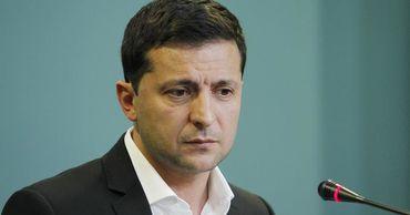 """Зеленский заявил, что Украина должна извлечь уроки из """"революций""""."""