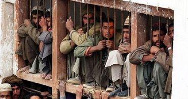В Индии мужчина сел в тюрьму, чтобы не умереть от голода.