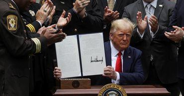 Трамп подписал указ о реформе полиции после волны протестов.