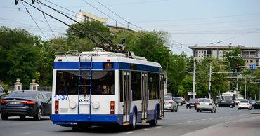 В будни движение общественного транспорта в Кишинёве больше не будет ограничиваться.
