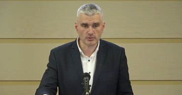 Депутат от блока ACUM Александр Слусарь.