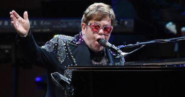 Черновик песни Элтона Джона продали за $240 тысяч.