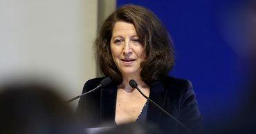 Глава минздрава Франции подала в отставку из-за выборов мэра Парижа.