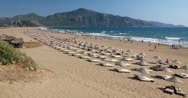 Турция открывает пляжи, рестораны и разрешает поездки между регионами.