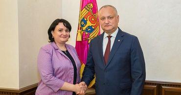 Новым министром здравоохранения стала Виорика Думбрэвяну.
