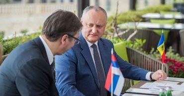 Додон принял приглашение Вучича посетить с визитом Сербию.