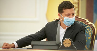Зеленский назвал условие введения жесткого карантина на Украине.