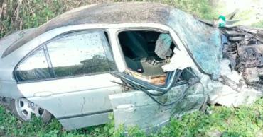 В Шолданештском районе легковушка слетела с трассы и врезалась в дерево.