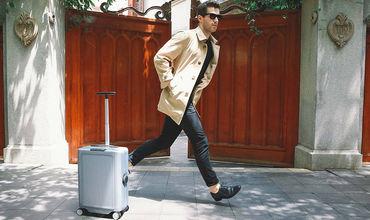 На CES представили беспилотные чемоданы.