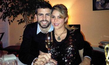 Знаменитая колумбийская певица Шакира вместе с не менее знаменитым мужем, футболистом Жераром Пике.