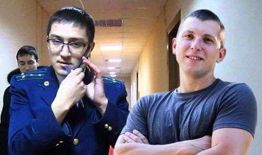 Активист Павел Григорчук напал на прокурора Нику Шендрю.