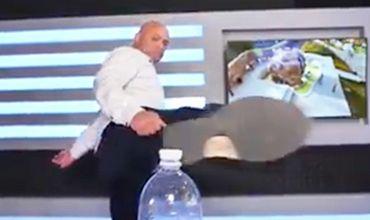 Мэр Одессы Геннадий Труханов принял участие вновомодном Bottle capchallenge.