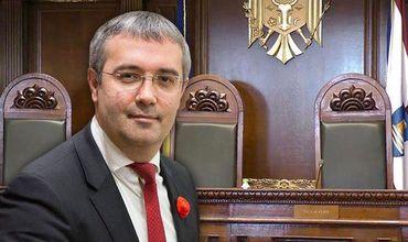 Сырбу попросил КС предоставить правительству полномочия парламента.