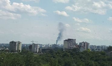 На Ботанике горит крыша недостроенного дома