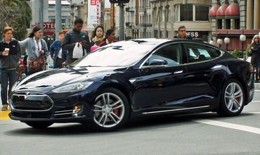 53 тысячи Tesla отзывают из-за бракованных тормозов