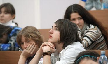Выпускники девятых классов все больше отдают предпочтение колледжам.