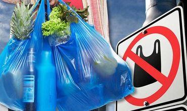 За использование одноразовой пластиковой посуды и пакетов будут штрафовать