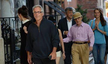 Оказавшегося в центре секс-скандала миллиардера обвинили в подкупе свидетелей.