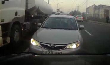 Безответственной женщине-водителю преподали урок в столице