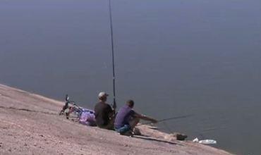 Здешние рыбаки с каждым годом вылавливают всё меньше рыбы.