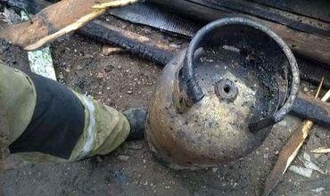 Взрыв в пристройке площадью 40 м2 произошёл в результате утечки газа из газового баллона.