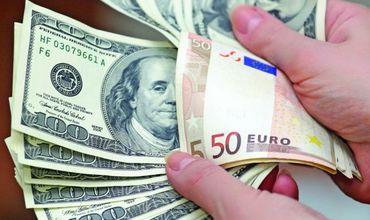 Euro crește în raport cu leul. Ce se întâmplă cu dolarul