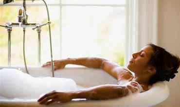 Горячая ванна помогает сжигать калории.