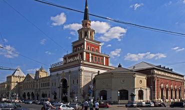 Оперативные службы проверяют информацию о якобы минировании восьми объектов в Москве.
