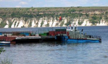 Паром на КПП Косэуць-Ямполь не работает из-за поломки