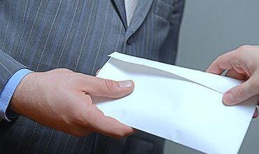 Столичные адвокаты, обвиняемые в получении взятки, предстанут перед судом.