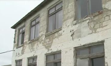 По данным Министерства просвещения, с 2005 года в стране закрыли более 150 школ.