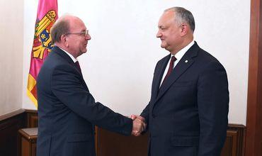 Додон провёл встречу с послом России в Молдове