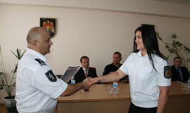 В завершении собрания, отличившиеся сотрудники были награждены почетными дипломами.