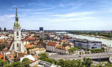 Девушка подробно рассказала, какие этапы ей пришлось пройти, чтобы законно жить и работать в Словакии.