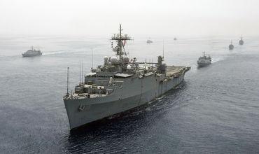 Un distrugător al SUA, elicoptere şi nave militare ucrainene efectuează exerciţii în Marea Neagră.