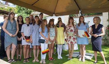 Cei mai buni cunoscători de limbă germană au fost premiați. Foto: ipn.md