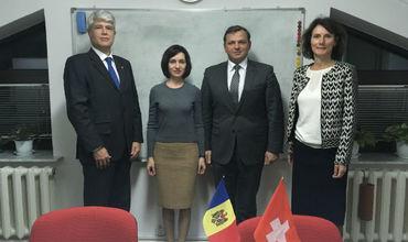 Санду и Нэстасе рассказали послу Швейцарии в Молдове о своих опасениях.