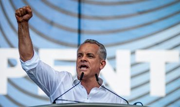 Лидер Демократической партии Владимир Плахотнюк покинул страну.