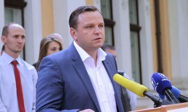 """Лидер партии """"Платформа Достоинство и Правда"""" Андрей Нэстасе."""