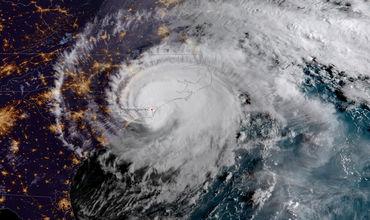 Напавший на Соединенные Штаты ураган «Дориан» достиг пятого уровня опасности из пяти возможных по шкале ураганного ветра Саффира Симпсона. Об этом сообщает CNN со ссылкой на данные Национального центра ураганов.  По данным специалистов, в настоящее