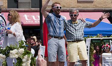 Социологи из США изучили распределение семейных обязанностей между партнерами в однополых союзах.