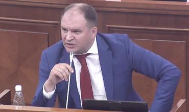 Ион Чебан довел до истерики депутатов ДПМ на заседании парламента.