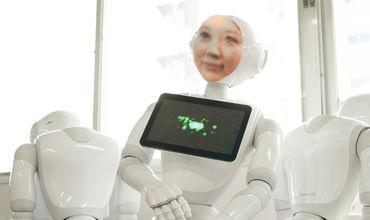 В Японии появился робот, который имитирует человека в течение 49 дней после его смерти.