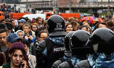 Кремль прокомментировал иски к организаторам митингов.