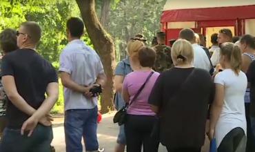У пункта сдачи крови в центральном парке Кишинева выстроилась очередь