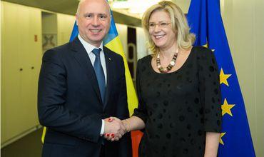 Комиссар ЕС по региональной политике совершит визит в Молдову